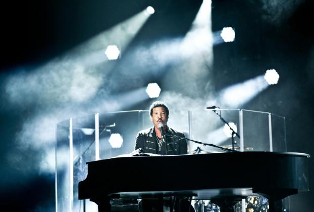 Singer Lionel Richie to perform in Colchester